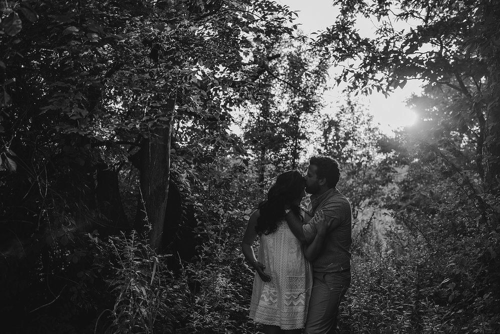 lauren-grayson-photography-cleveland-ohio-photographer-maternity-summer-outdoor-bohemian-fields-session_0509.jpg