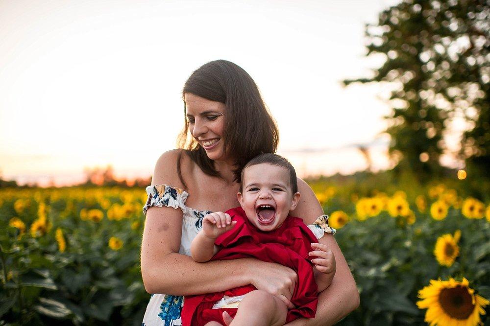 lauren-grayson-photography-cleveland-ohio-photographer-sunflower-fields-sunset-golden-hour-photo-shoot-mommy-and-me-family-child-photographer_0574.jpg