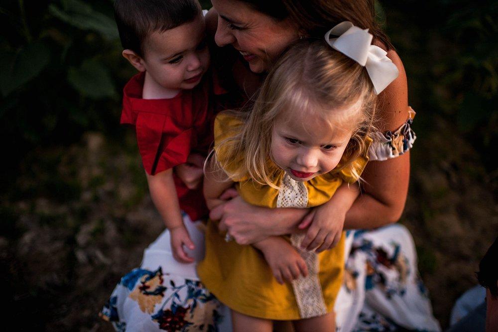 lauren-grayson-photography-cleveland-ohio-photographer-sunflower-fields-sunset-golden-hour-photo-shoot-mommy-and-me-family-child-photographer_0589.jpg