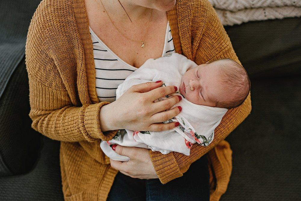 lauren-grayson-photography-cleveland-ohio-photographer-newborn-session-in-home-lifestyle-josephine_0594.jpg