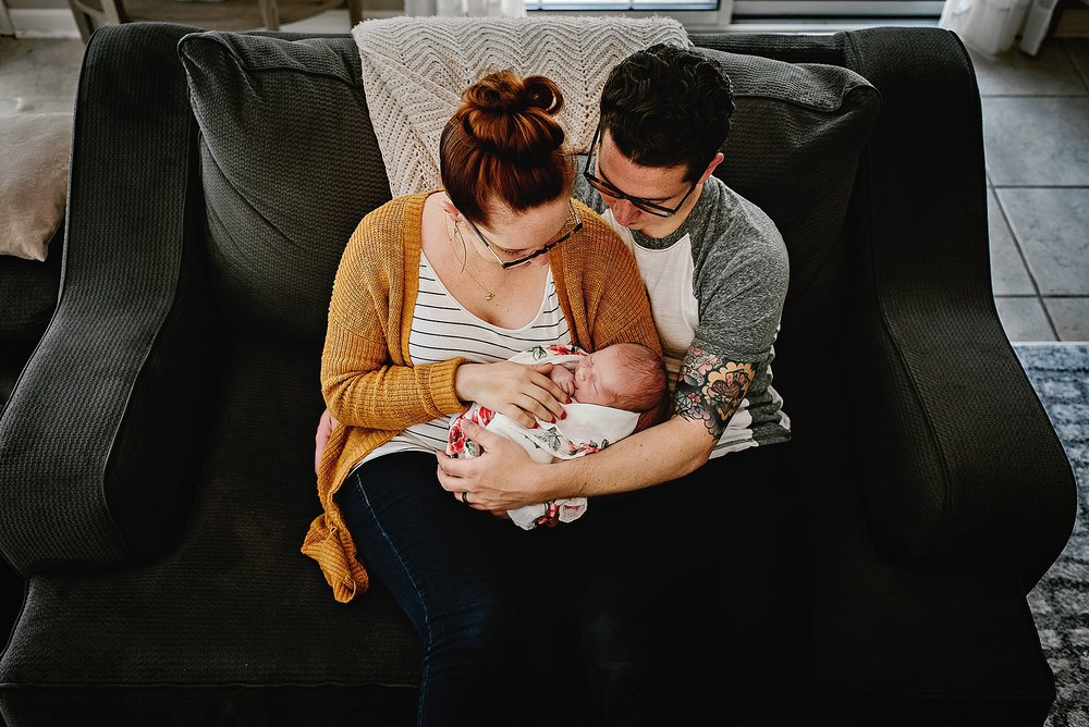 lauren-grayson-photography-cleveland-ohio-photographer-newborn-session-in-home-lifestyle-josephine_0609.jpg