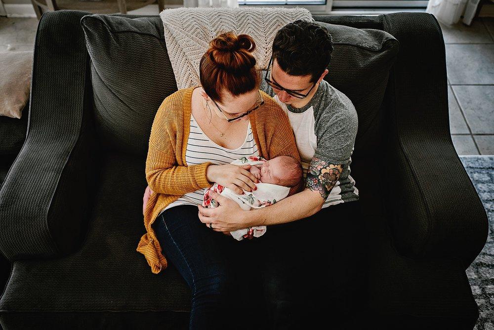 lauren-grayson-photography-cleveland-ohio-photographer-newborn-session-in-home-lifestyle-josephine_0609.jpg