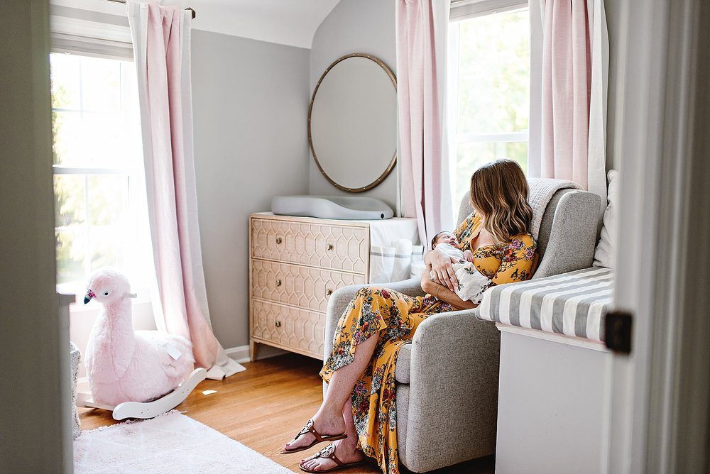 lauren-grayson-photography-cleveland-ohio-photographer-newborn-session-in-home-lifestyle-newborn-family-vivian_0652.jpg