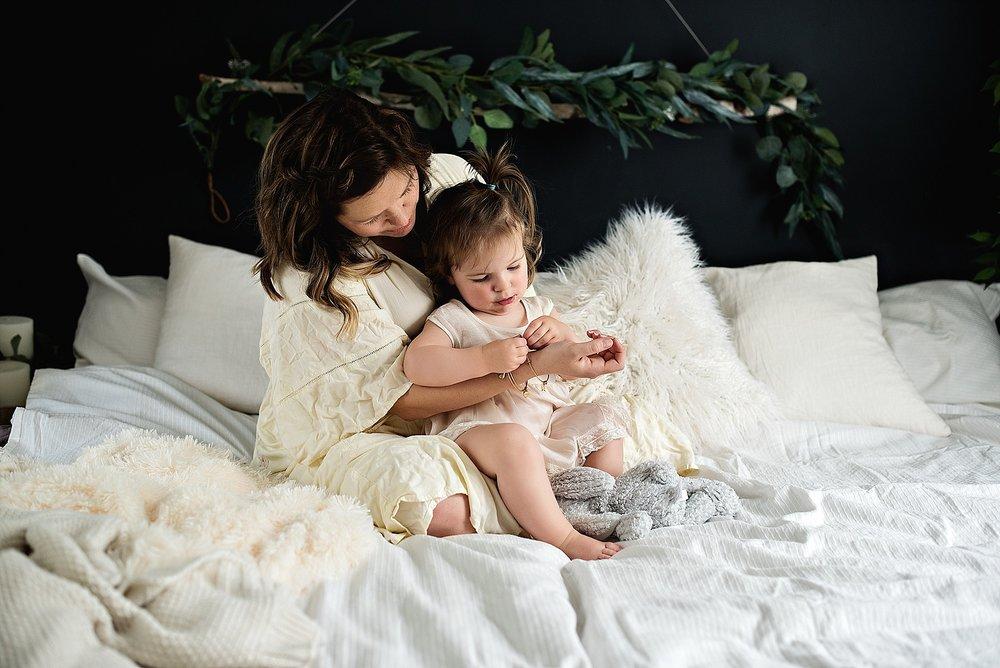 lauren-grayson-photography-cleveland-ohio-photographer-momm-and-me-studio-photo-shoot_0658.jpg