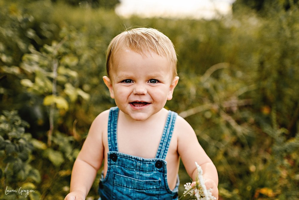 lauren-grayson-photography-cleveland-ohio-photographer-mentor-headlands-beach-maternity-session-2018_0775.jpg