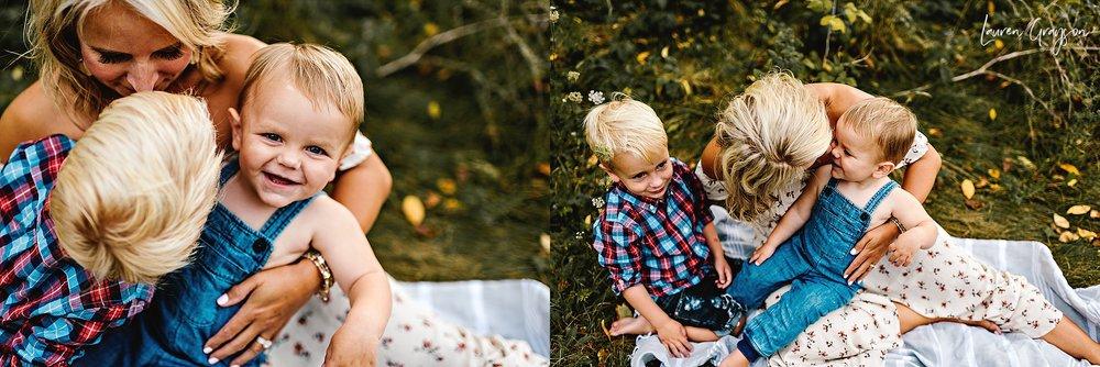 lauren-grayson-photography-cleveland-ohio-photographer-mentor-headlands-beach-maternity-session-2018_0778.jpg