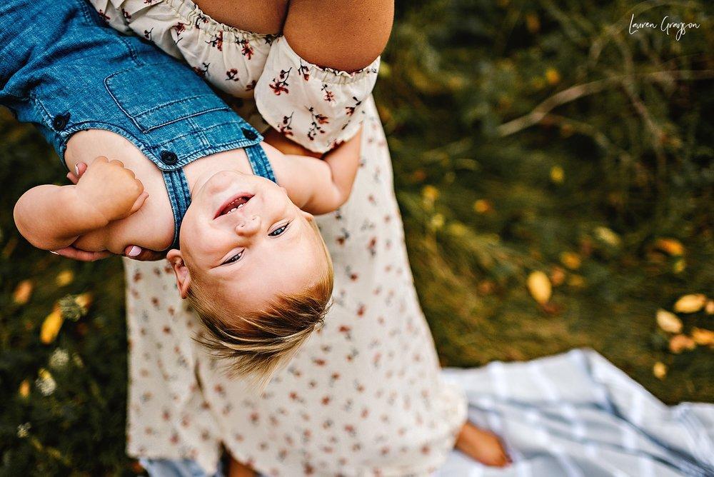 lauren-grayson-photography-cleveland-ohio-photographer-mentor-headlands-beach-maternity-session-2018_0786.jpg