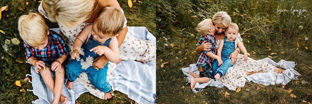 lauren-grayson-photography-cleveland-ohio-photographer-mentor-headlands-beach-maternity-session-2018_0792.jpg