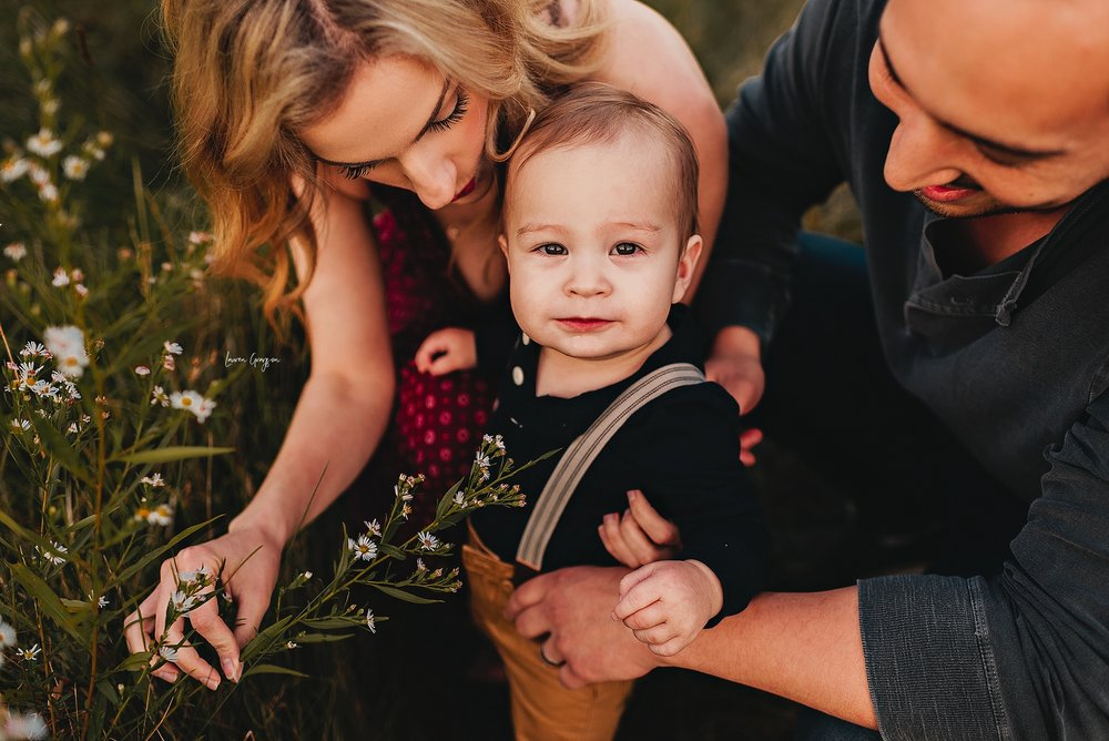 lauren-grayson-photography-ohio-photographer-AKRON-family-photos-langenmyr-fields-sunset-fall-session_0954.jpg