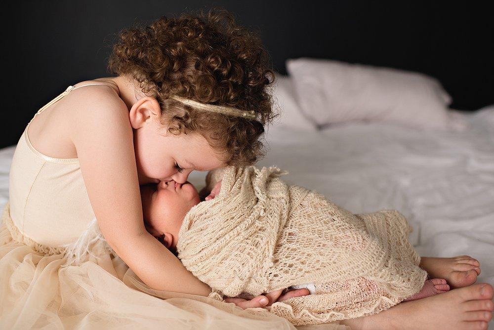lauren-grayson-photography-akron-ohio-cleveland-best-newborn-photos-baby-photographer-2018_0014.jpg
