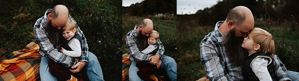 lauren-grayson-photography-akron-ohio-maternity-session-fall-family-photos-outdoors-dawson_0034.jpg