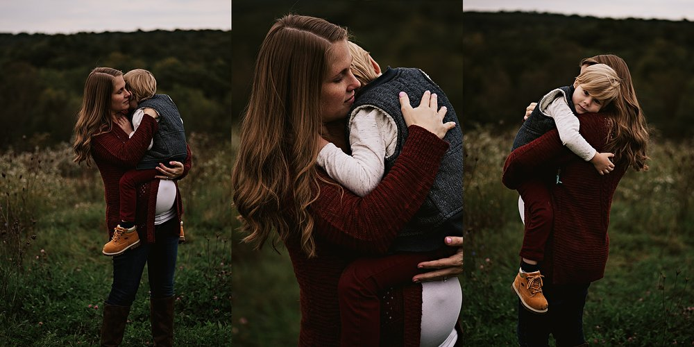 lauren-grayson-photography-akron-ohio-maternity-session-fall-family-photos-outdoors-dawson_0025.jpg