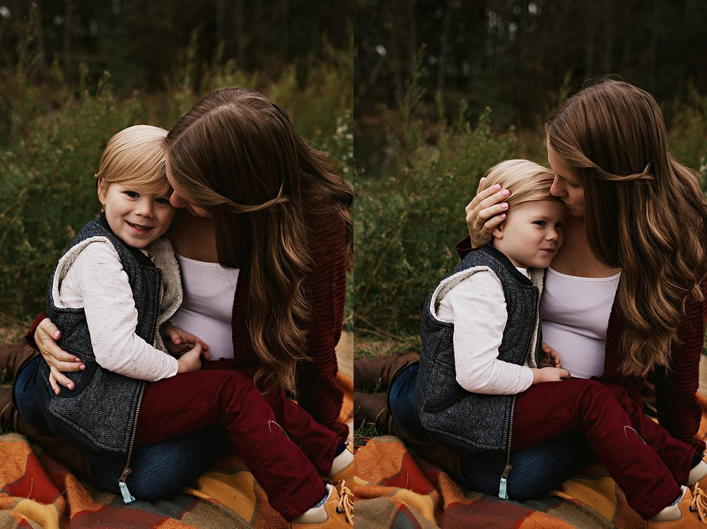 lauren-grayson-photography-akron-ohio-maternity-session-fall-family-photos-outdoors-dawson_0023.jpg