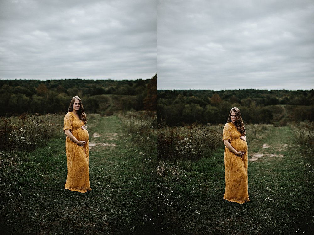 lauren-grayson-photography-akron-ohio-maternity-session-fall-family-photos-outdoors-dawson_0044.jpg