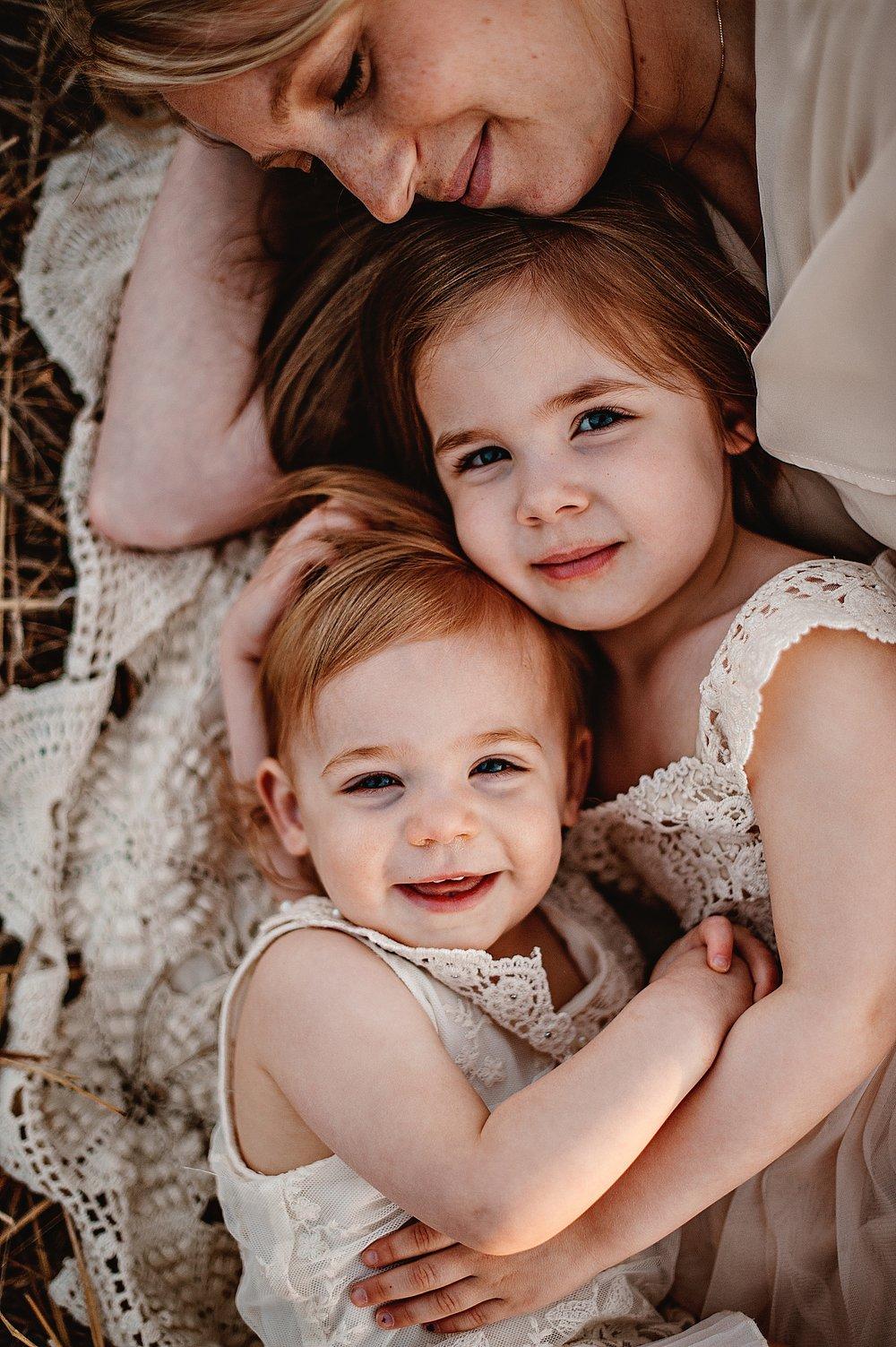 lauren-grayson-photography-akron-ohio-best-family-photos-2018-cleveland_0006.jpg