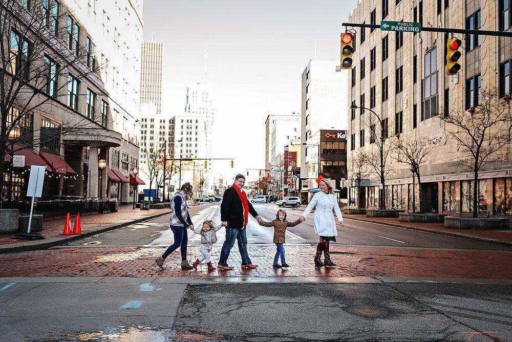 lauren-grayson-photography-akron-ohio-best-family-photos-2018-cleveland_0022.jpg