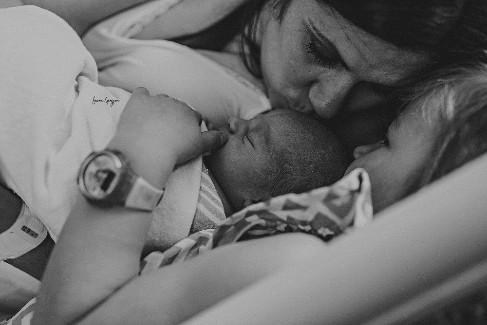 lauren-grayson-photography-akron-ohio-newborn-fresh-48-hospital-family-baby-session-skomski_0019.jpg