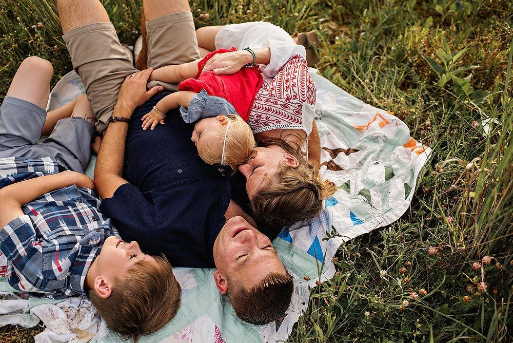 lauren-grayson-photography-akron-ohio-newborn-fresh-48-hospital-family-baby-session-skomski_0027.jpg