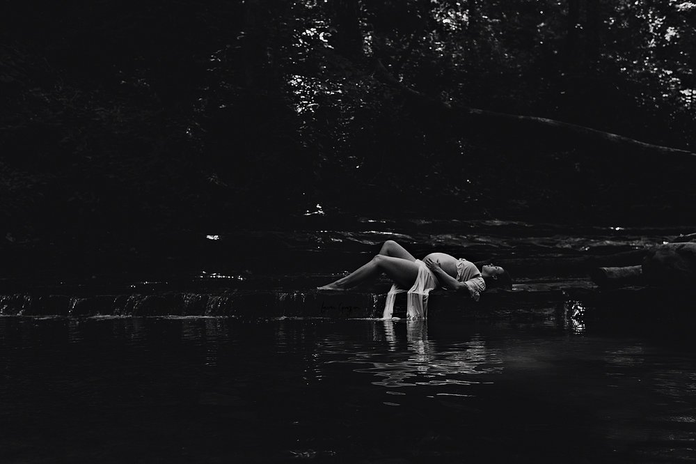 lauren-grayson-photography-akron-ohio-maternity-photographer-waterfall-sarah-f_0007.jpg