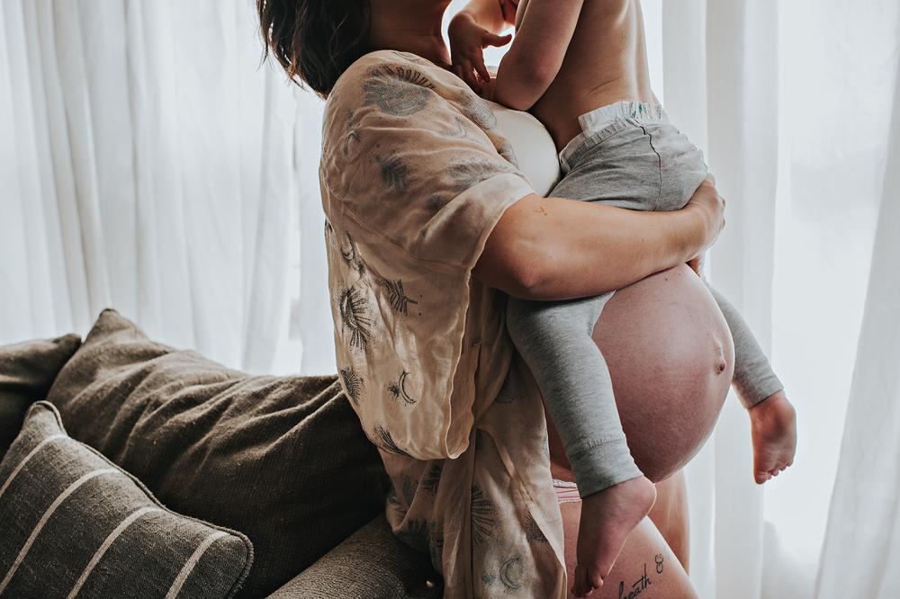 akronohio-newborn-maternity-cleveland-photogrpaher-laurengrayson-lifestyleinhomedocumentary-taylor_fb3.png