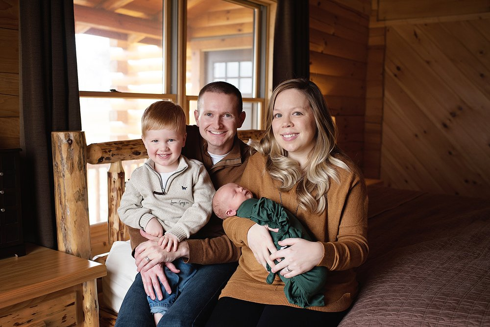 lauren-grayson-photography-cleveland-ohio-newborn-family-photographer-bekham-in-home-lifestyle_0019.jpg