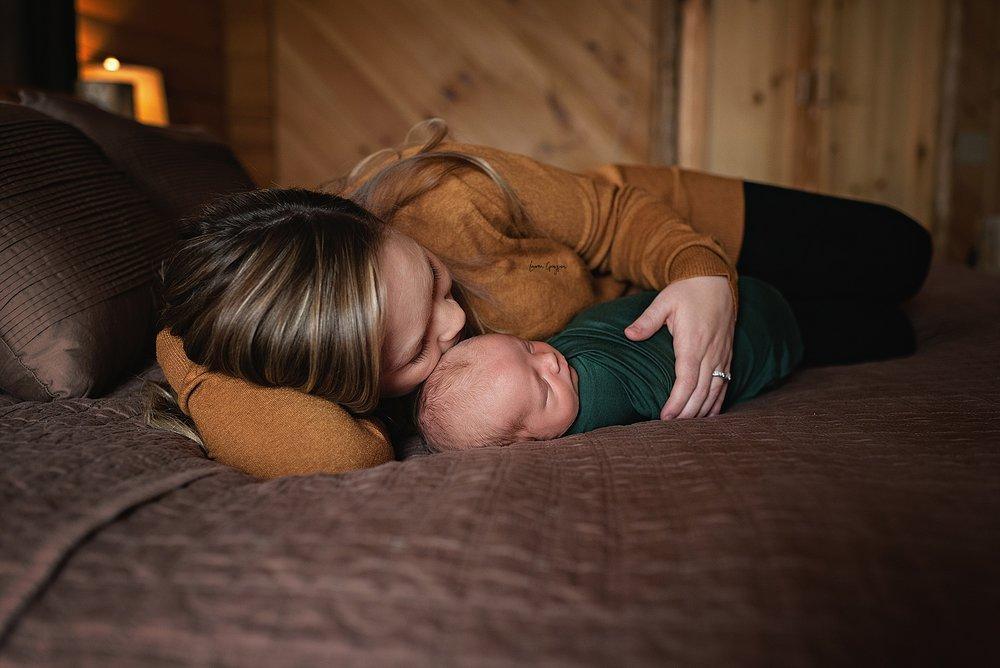 lauren-grayson-photography-cleveland-ohio-newborn-family-photographer-bekham-in-home-lifestyle_0014.jpg