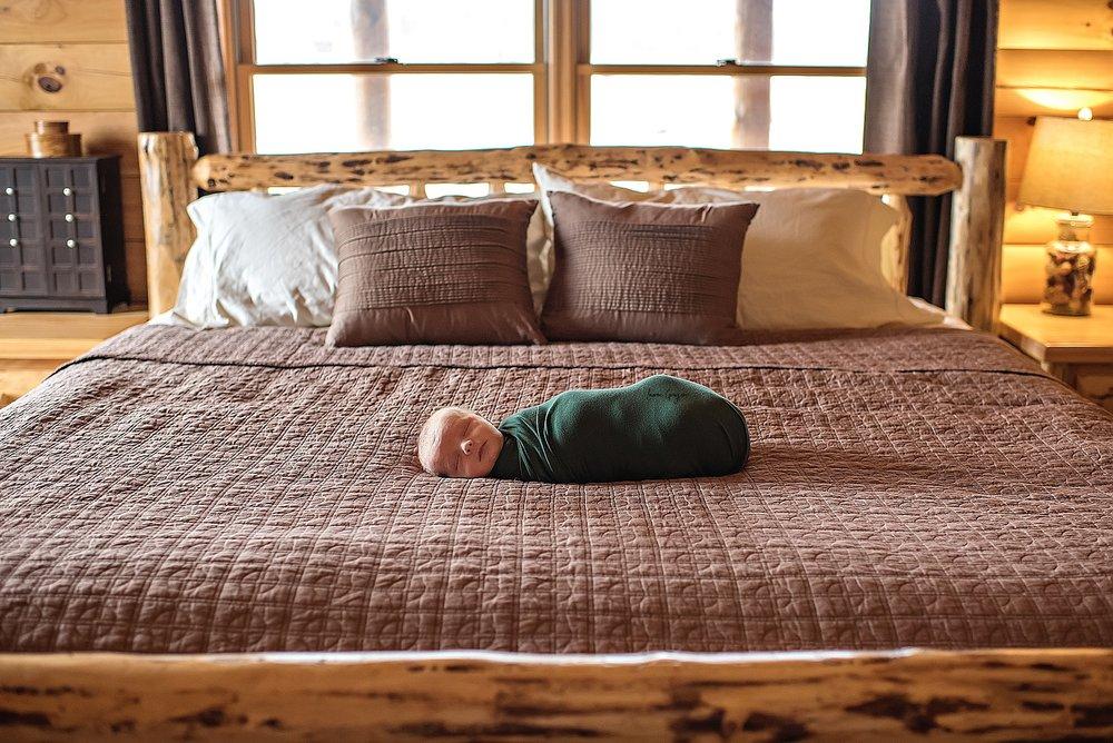 lauren-grayson-photography-cleveland-ohio-newborn-family-photographer-bekham-in-home-lifestyle_0007.jpg