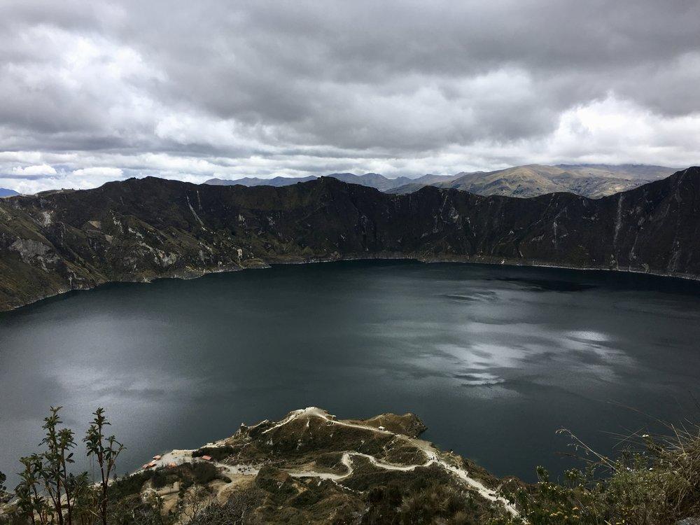Quilotoa Lagoon 3,914 metres ( Ecuadorian Andes )