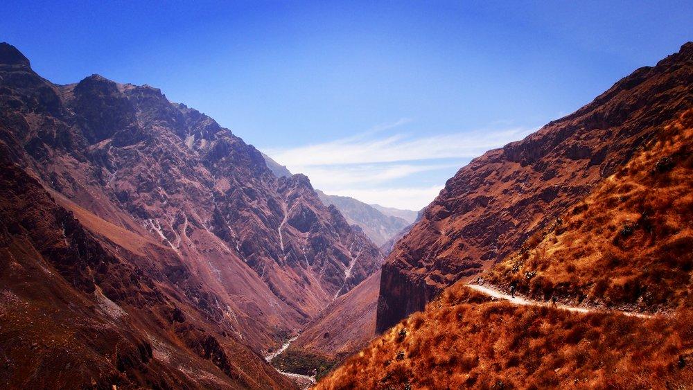 Entering the canyon ( Colca Canyon, Peru )