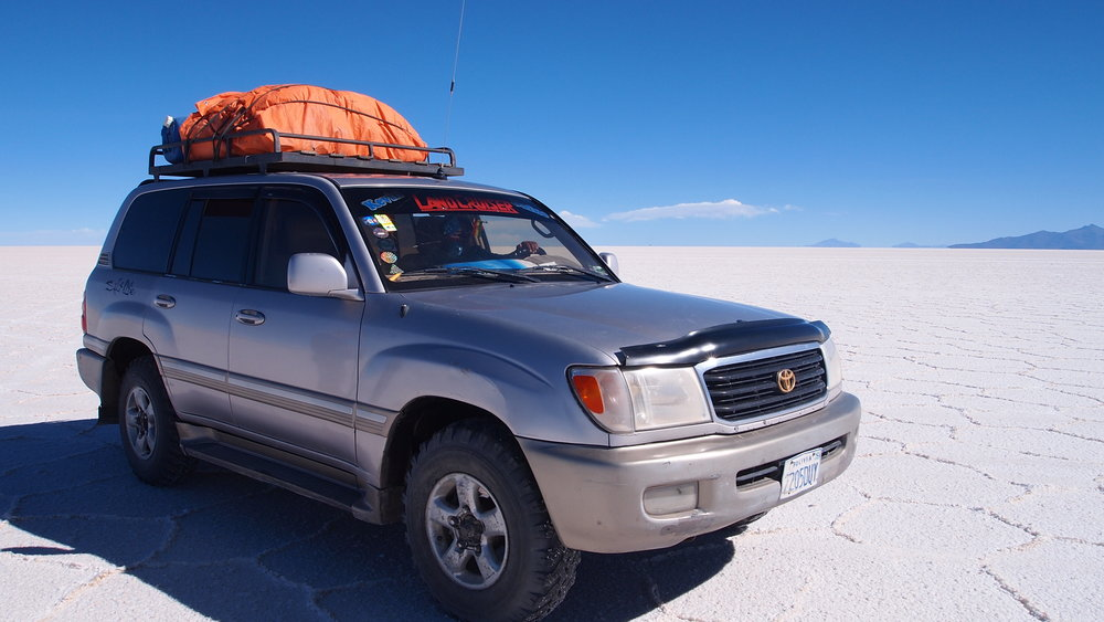 How the drivers knew their way around the Salt Flats was beyond me( Salar de Uyuni, Southwest Bolivia )