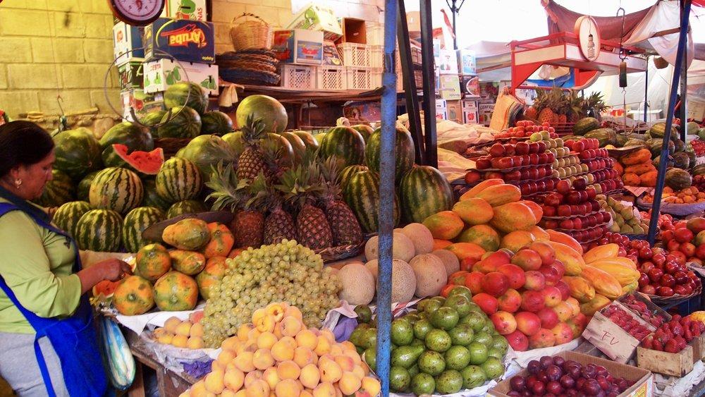 Mercado Campesino's been going for over 26 years ( Mercado Campesino, Sucre, Bolivia )