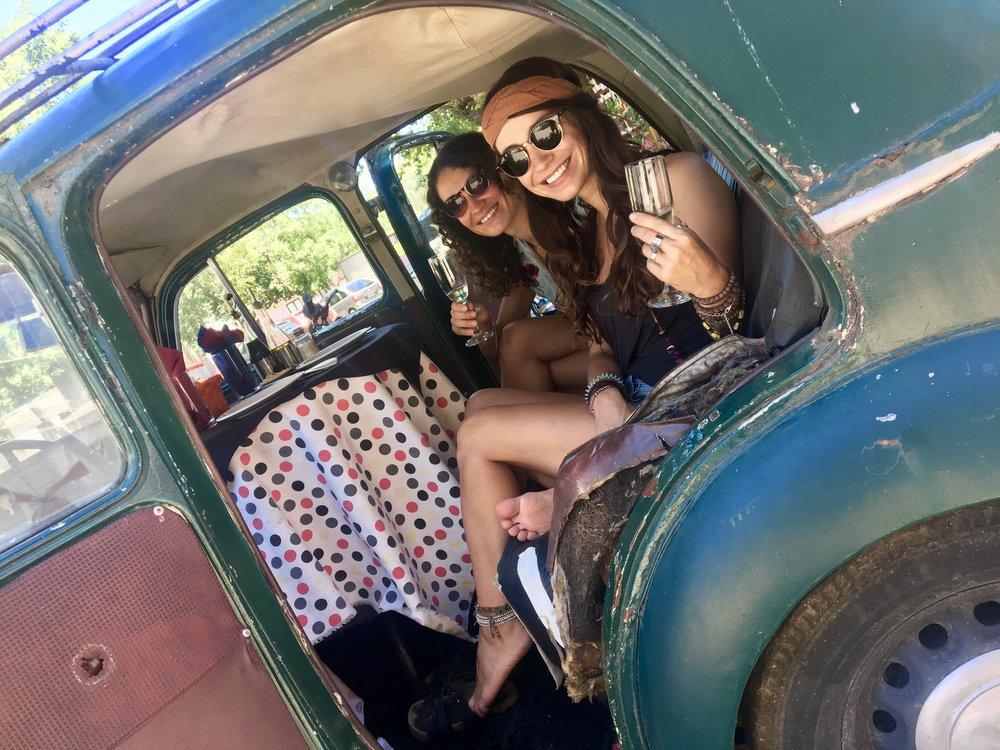 Bubbles in the backseat (El Drugstore, Colonial de Sacramento, Uruguay)