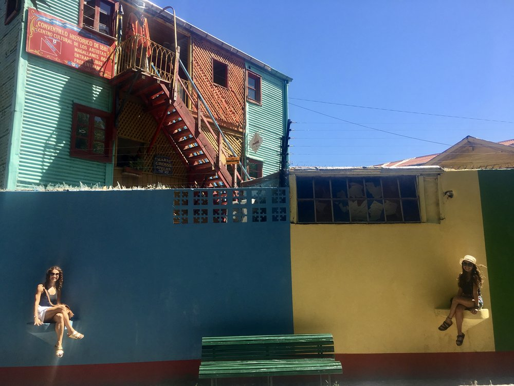Perched on alley Caminito ( La Boca, Buenos Aires, Argentina )