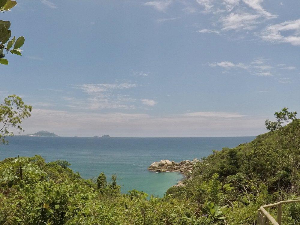 Hiking to Praia Mole ( Florianopolis, Santa Catarina, Brazil )