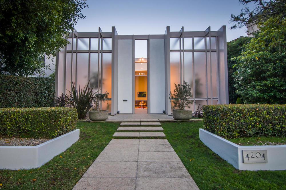 4204 Cedar Ave Long Beach CA-large-002-2-Front of Home-1500x1000-72dpi.jpg