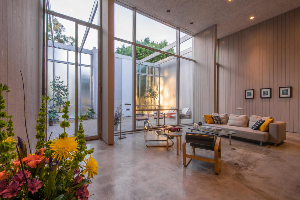 4204 Cedar Ave Long Beach CA-large-005-5-Living Room-1500x1000-72dpi.jpg