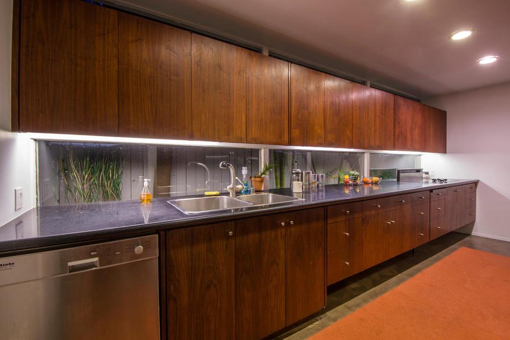 4204 Cedar Ave Long Beach CA-large-014-14-Kitchen-1500x1000-72dpi.jpg