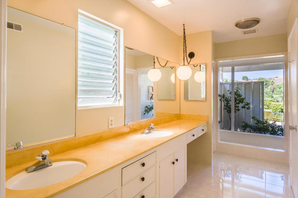 10362 Mira Vista Dr Santa Ana-large-012-12-Master Bath-1500x1000-72dpi.jpg