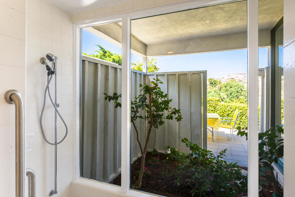 10362 Mira Vista Dr Santa Ana-large-013-13-Master Bath-1500x1000-72dpi.jpg