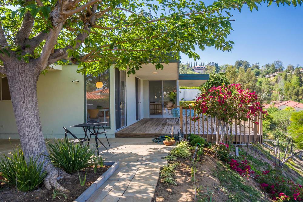 10362 Mira Vista Dr Santa Ana-large-024-24-Back Yard-1500x1000-72dpi.jpg
