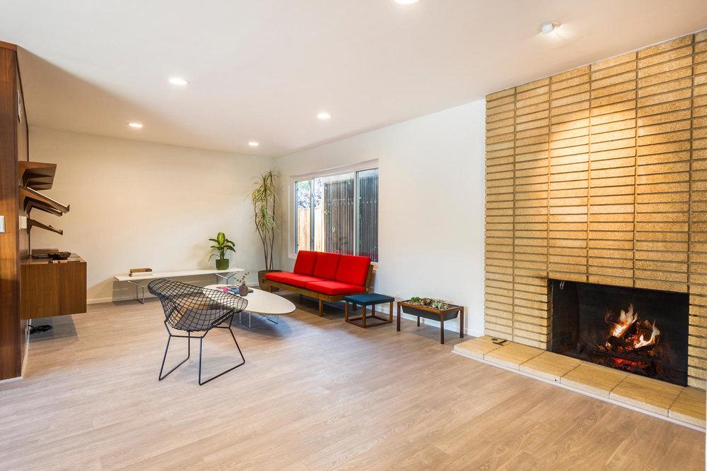 1896 N College Cir Long Beach-large-004-4-Living Room-1500x1000-72dpi.jpg