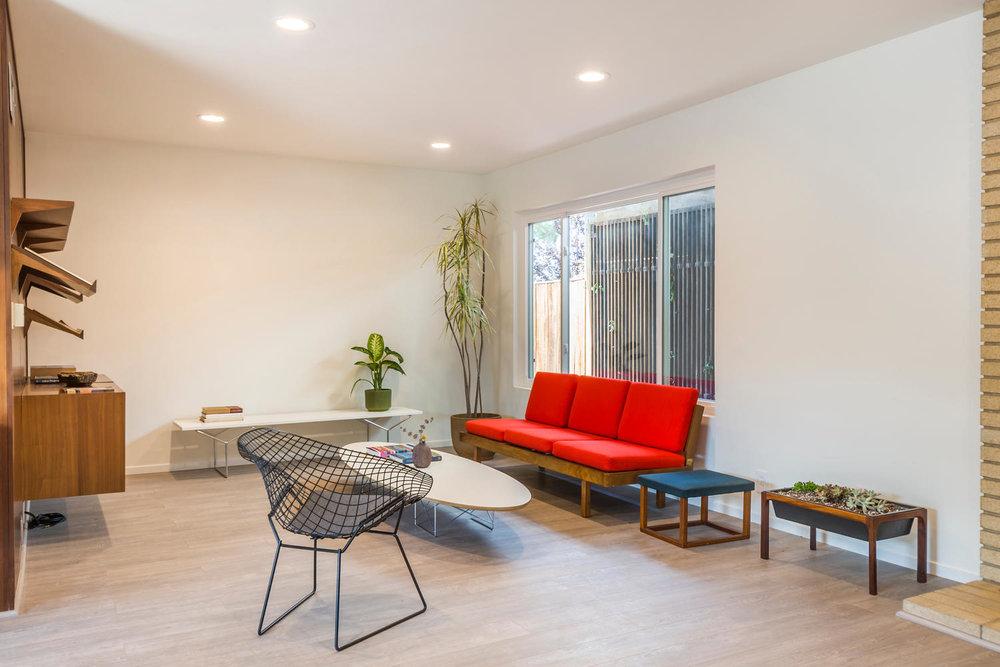 1896 N College Cir Long Beach-large-005-5-Living Room-1500x1000-72dpi.jpg