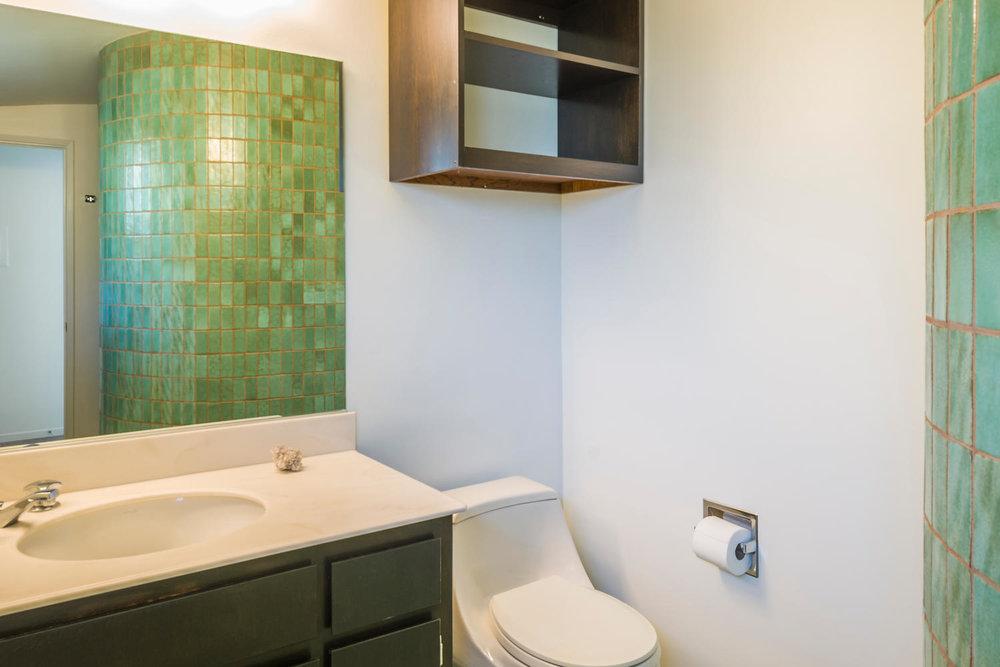 1896 N College Cir Long Beach-large-018-18-Master Bath-1500x1000-72dpi.jpg