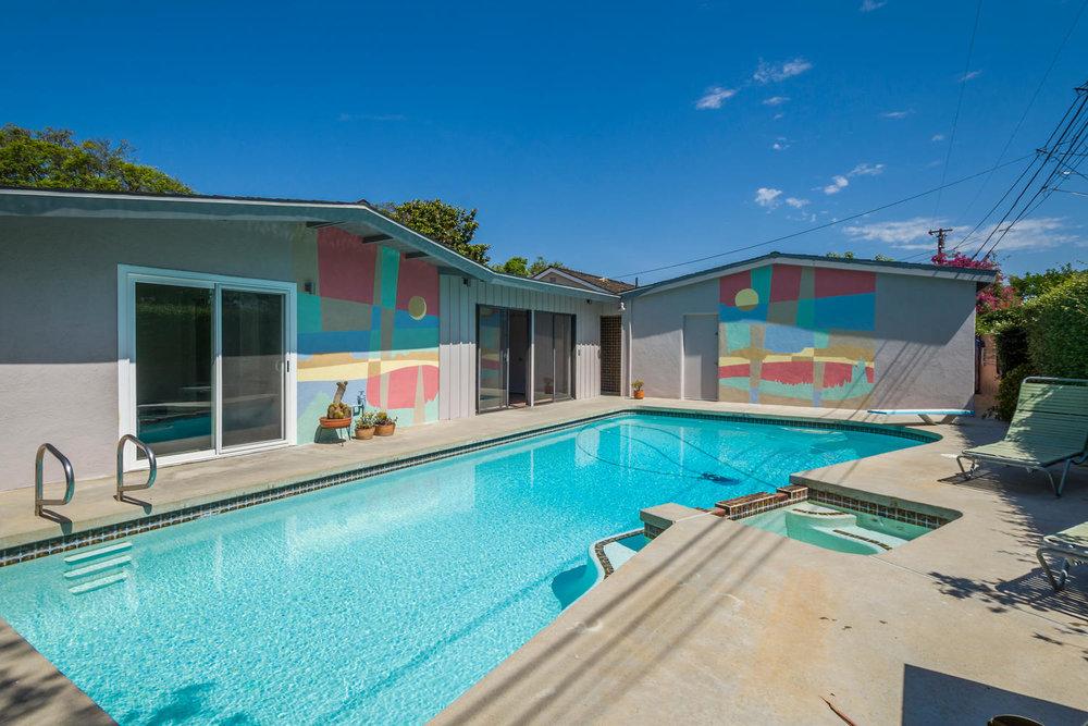 1896 N College Cir Long Beach-large-024-24-Pool-1500x1000-72dpi.jpg