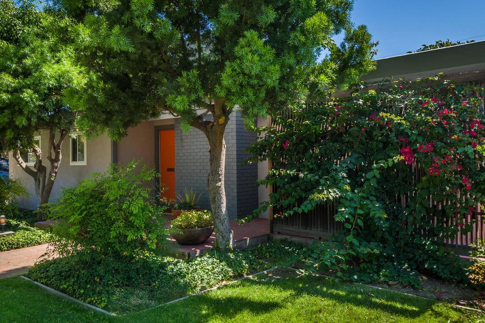 1896 N College Cir Long Beach-large-029-29-1869 College Circle-1500x1000-72dpi.jpg