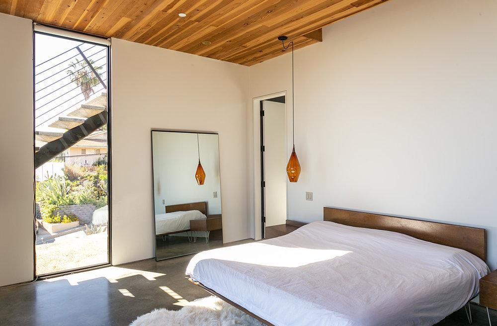 master bed 3 web.jpg
