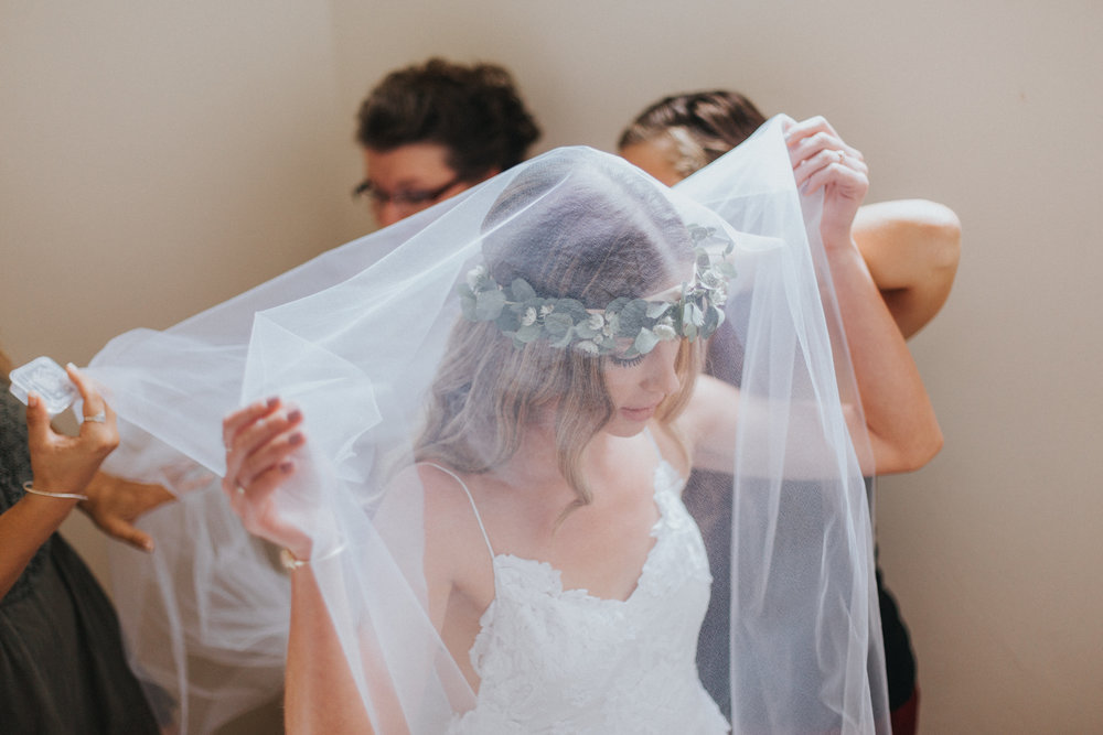 3. Bump up the Jams - Music can drastically change the mood of the room, so make a playlist that you know your going to love for the wedding morning! Jam with all your girls and don't hold back when that air quitar session starts playing.