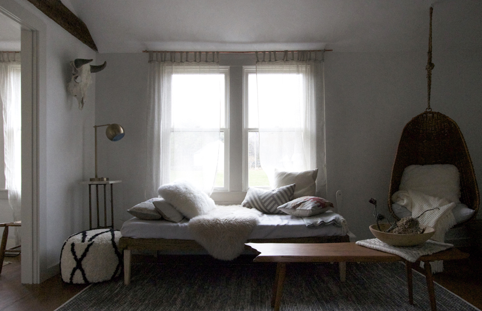 Jersey_Ice_Cream_Co_Beth_Kirby_Magic_Egg_Farmhouse_Catskills_Louise_Dockery_Paper_and_Moon_guesthouse_living_room.jpg