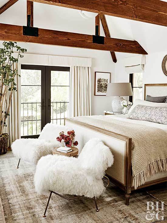 Julianne_Hough_Justin_Coit_home_Louise_Dockery_Paper_and_Moon_bedroom.jpg