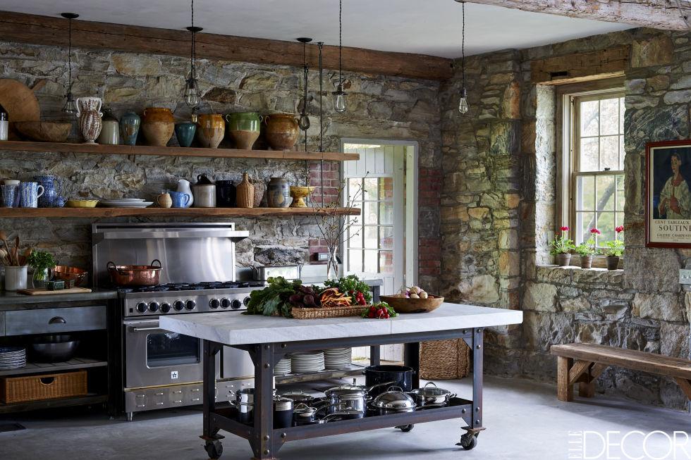 Virginia_Tupker_Mikkel_Vang_Bedfor_New_York_Carriage_House_Louise_Dockery_Paper_and_Moon_kitchen.jpg
